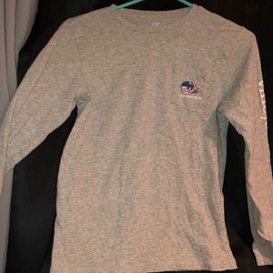 Vineyard Vines hockey t-shirt